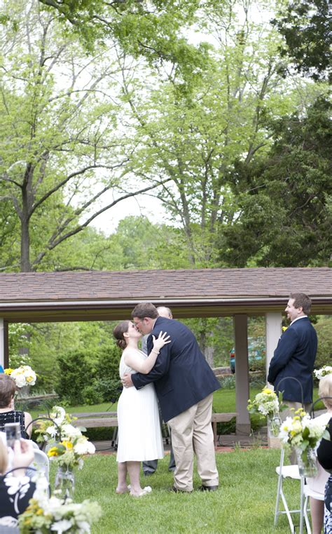 casual backyard wedding casual backyard diy virginia wedding pictures 25
