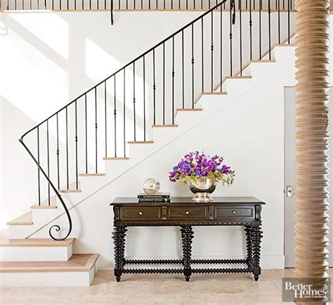 Stairs Without Banister by 25 Best Ideas About Iron Stair Railing On