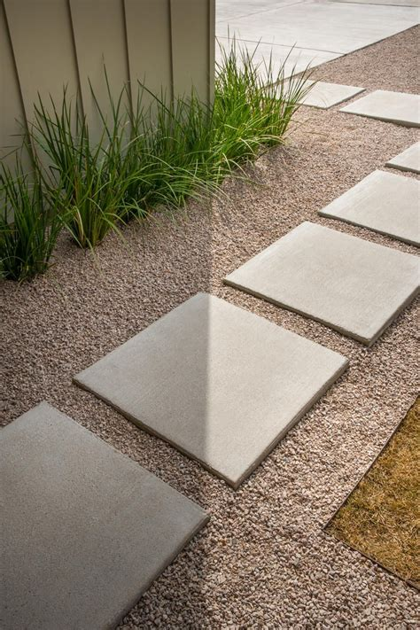 Concrete In Backyard by Best 25 Concrete Pavers Ideas On Outdoor