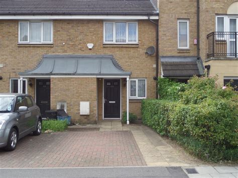 2 bedroom house for sale in romford 2 bedroom terraced house for sale grove road romford