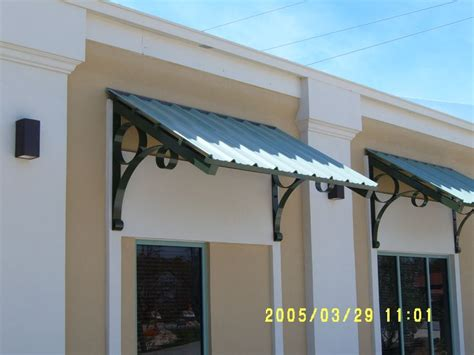 Custom Aluminum Awnings by 25 Best Ideas About Aluminum Awnings On