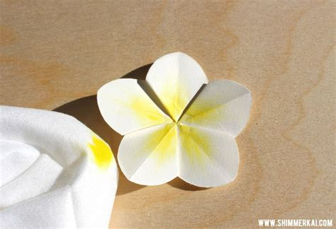 How To Make Paper Hawaiian Flowers - tropical flower origami rs origami flower