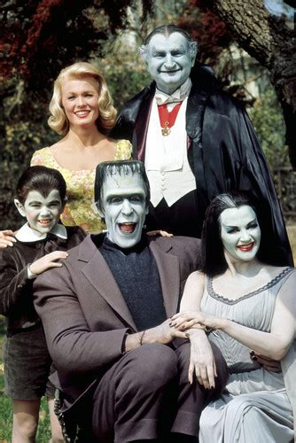 munsters in color the munsters color cast 36x24 poster print ebay