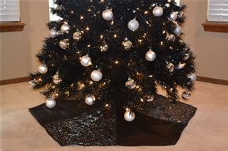 the end of the black christmas tree skirt story
