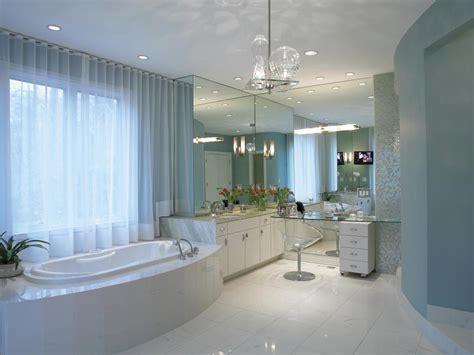Bathroom Layouts That Work   HGTV