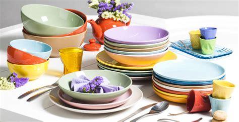 piatti e bicchieri colorati foto piatti e bicchieri di marilisa dones 340582