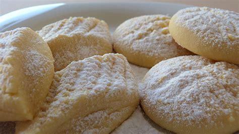 kurabiye tarifi agizda dagilan pastane kurabiyesi tarifi ağızda dağılan tereyağlı pastane un kurabiyesi tarifi