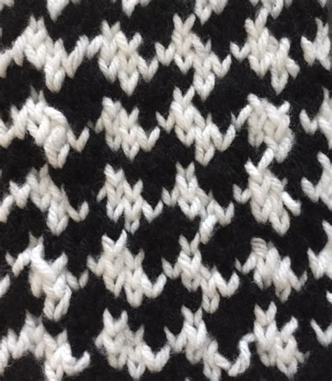 houndstooth knit pattern easy shhh no one needs to how easy this houndstooth