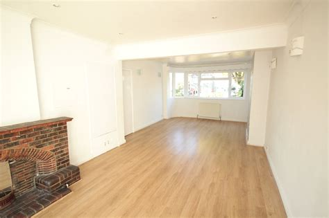 Mill Hill Nw7 Blinds K Estate Agents And Letting Agents In The Uk Houses Flats
