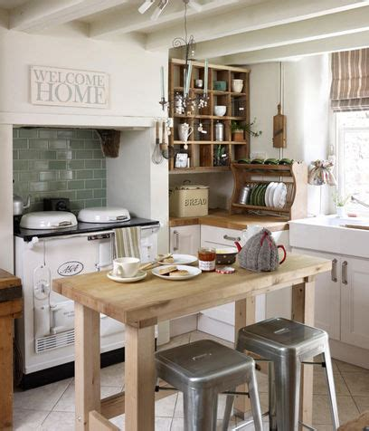 cucine in stile country cucine country donna moderna