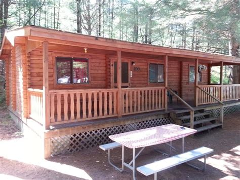 Cabins At Jellystone Park by Yogi Cabin Picture Of Yogi S Jellystone Park C