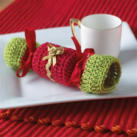 pattern for christmas cracker 89 best images about knitting and crochet christmas on