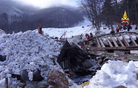 Disasters Up Avalanches avalanche disaster www pixshark images galleries with a bite