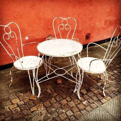 tavolo con sedie da giardino tavoli e scrivanie laboratorio vintage