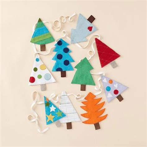 easy diy felt christmas tree garland simple holiday decor