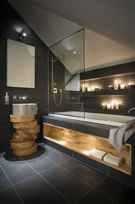 Supérieur Amenagement Petite Salle De Bain Sous Pente #2: salle-de-bain-sous-pente-noir-carrelage.jpg