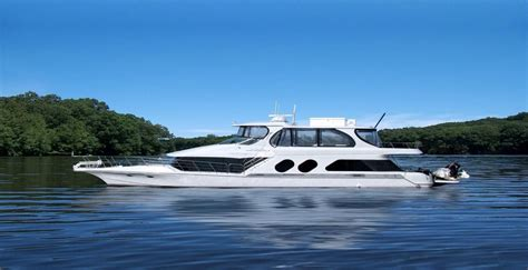 bluewater lady boat 2001 bluewater yachts 5800 power boat for sale www