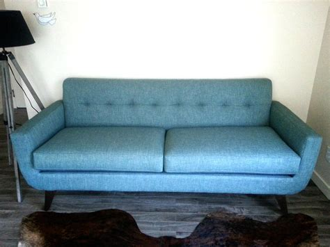 hudson settee hudson sofa with track arm tufted back victoria city