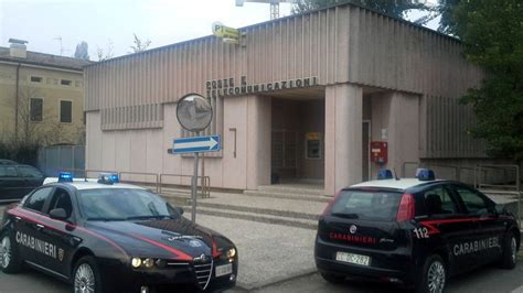ufficio postale castelfranco emilia ufficio postale cavezzo impiegata picchia e mette in fuga