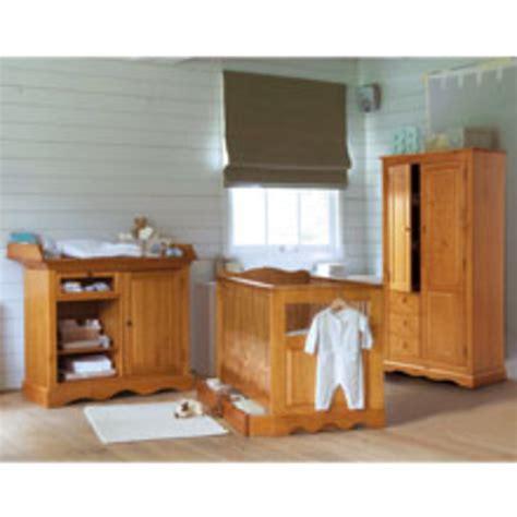 chambre bébé pin massif lit b 233 b 233 60 x 120 cm avec tiroir mathis miel
