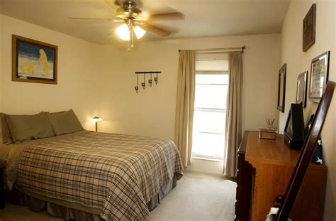 bedroom apartments  manhattan ks  campus latest bestapartment