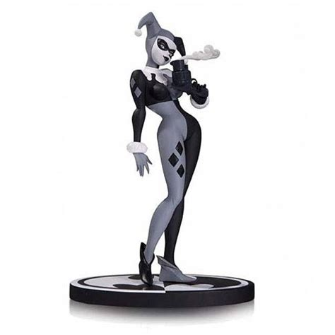 Sket Dc Black White batman black and white harley quinn statue dc collectibles batman statues at entertainment