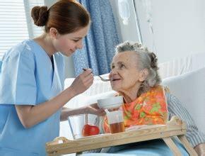 alimentazione anziani allettati doustne suplementy pokarmowe dieta medycyna praktyczna