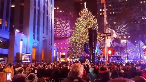 time of rockefeller tree lighting rockefeller center christmas tree lighting 2015 youtube