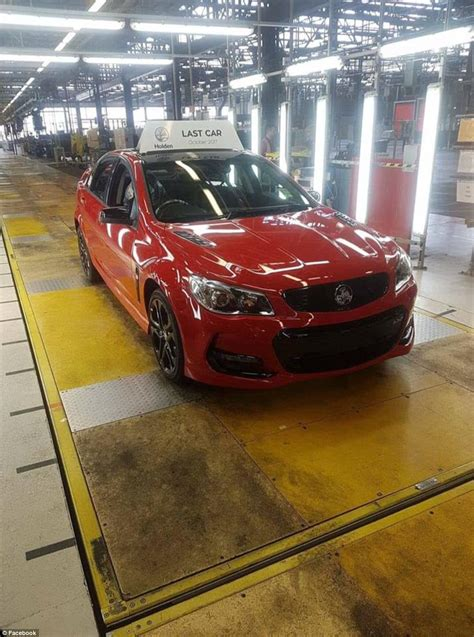 last car ever made holden s last ever car made in australia leaves adelaide