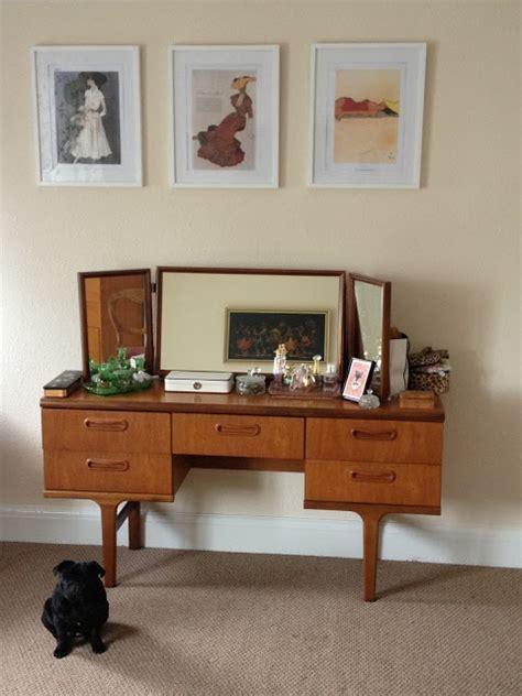 Mid Century Bedroom Vanity by 30 Mid Century Dressing Tables And Vanities Digsdigs