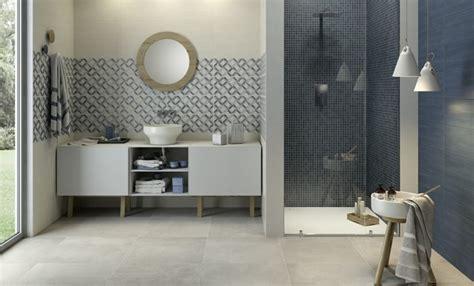 pose carrelage mural salle de bain baignoire palzon