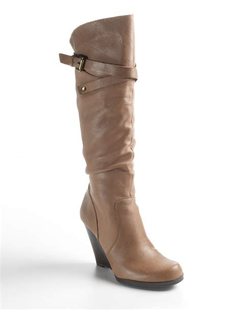 guess mally leather wedge boots in brown tauple leather
