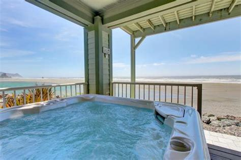 airbnb oregon coast sunset cottage pet friendly private hot tub in gold beach the 6 most top 42 bandon vacation rentals from 45 vacasa