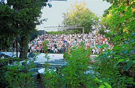 cluss garten theater der sommer im ludwigsburger cluss garten kultur