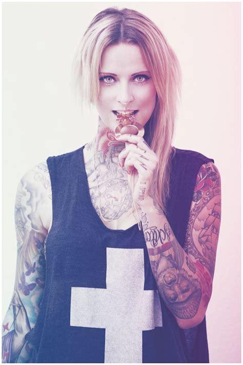 weist tattoos weist frontfrau rostock 1
