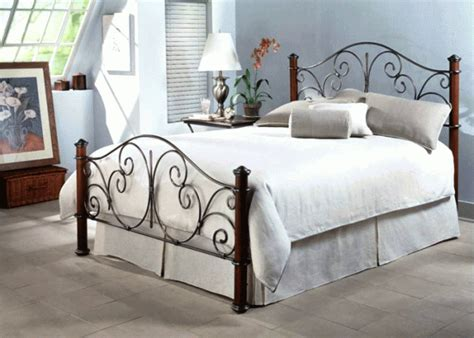 Ranjang Besi Klasik kerajinan besi furniture besi alam sakti