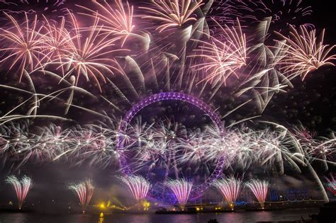 new year 2015 wellington fireworks s 2015 new year fireworks display metro uk