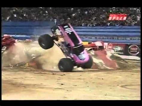 monster truck crashes videos monster jam crashes and carnage youtube