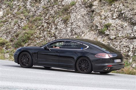 porsche panamera hybrid 2017 2017 porsche panamera spied for the first time in hybrid