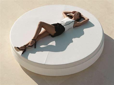 lit rond exterieur am 233 nagement ext 233 rieur piscine avec du mobilier design