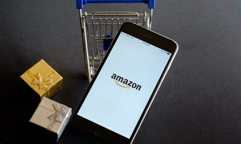 amazon handmade amazon handmade launches ecommerce gift shops pymnts com