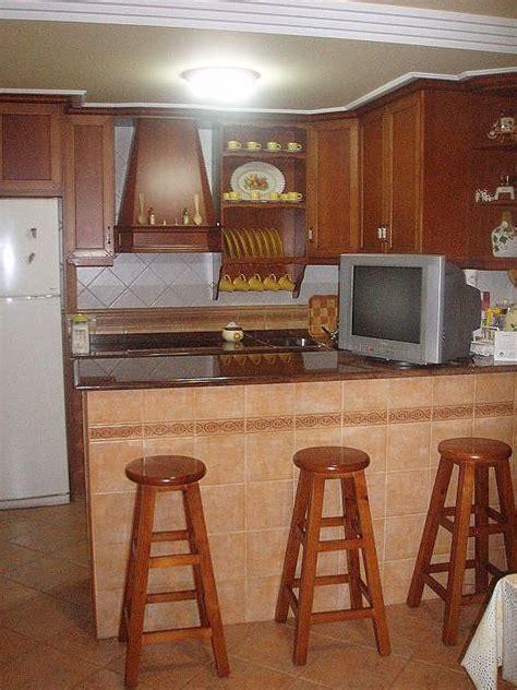 como decorar una cocina pequena rustica  paletas