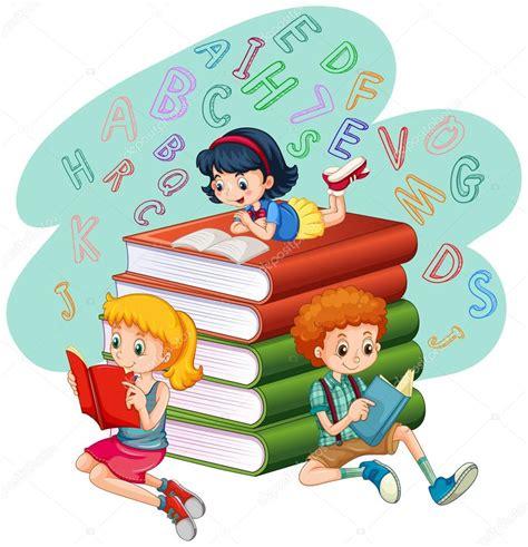 imagenes de niños jugando y leyendo tres ni 241 os leyendo libros vector de stock