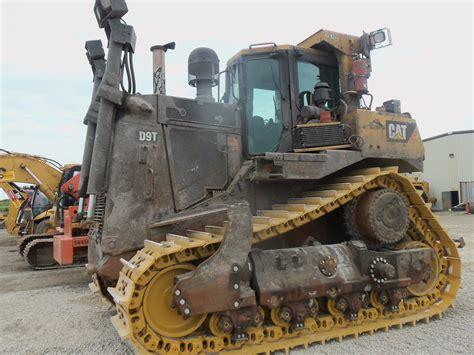 caterpillar  hp dt caterpillar heavy equipment tractors trucks