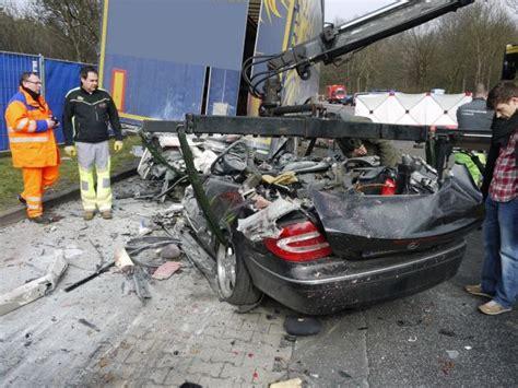Motorradunfall A661 by Freiw Feuerwehr Neu Isenburg Ein Toter Bei
