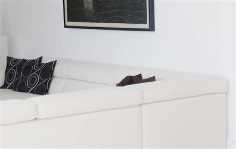 come pulire divano in pelle le migliori abitudini per pulire un divano in pelle