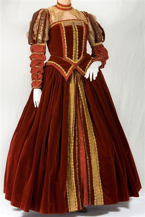 Wedding Attire During Elizabethan Era by 25 Best Ideas About Elizabethan Dress On