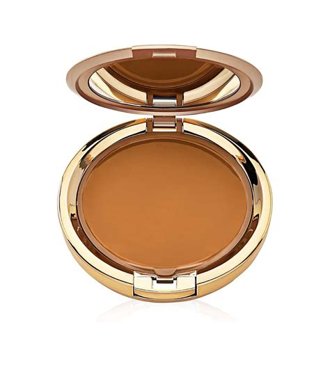 Milani To Powder Foundation Two Way Cake Get The Look Recreate Taraji P Henson S Glam Look With