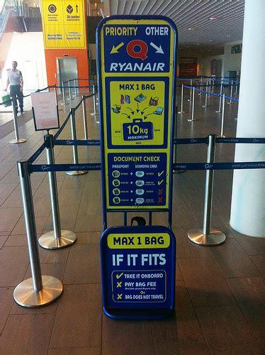maximale afmetingen handbagage ryanair 55 cm x 40 cm x 20