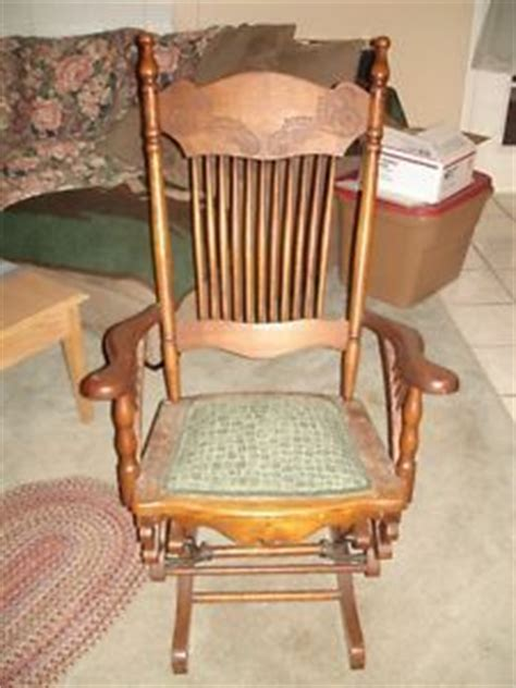 Wisconsin Chair Company by Antique Lowentraut Glider Rocker For Living Room Or